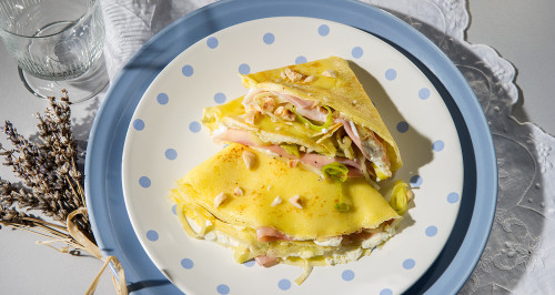CRÊPES WITH COOKED HAM, ROBIOLA CHEESE, LEEKS AND TOASTED HAZELNUTS