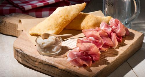 Gnocco Fritto, Crudo di Parma e crema di topinambur