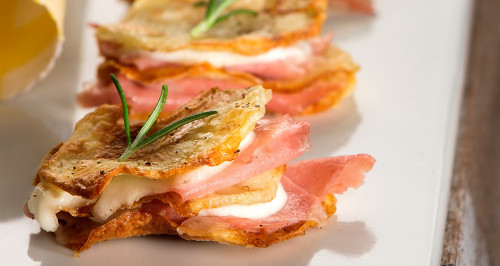 MILLEFOGLIE OF POTATOES WITH BOLOGNA AND MOZZARELLA CHEESE
