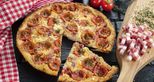 pizza-sfoglia-pomodorini-robiola-pancetta-affumicata-low.jpg