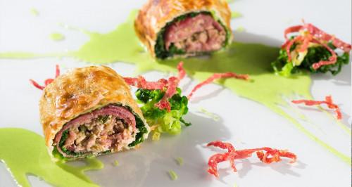 """""""Quasi cassoeula"""" (Wirsing-Schweinefleisch-Päckchen mit Salamiwürfel)"""