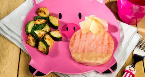 Simpaticotto rivestito di formaggio e zucchine