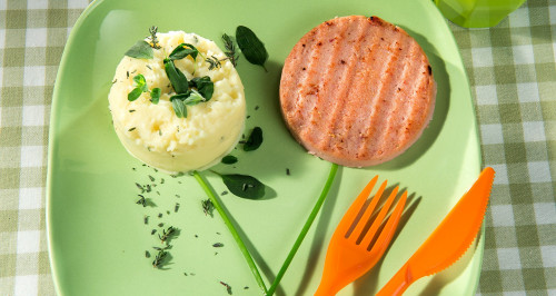 SIMPATICOTTO WITH POTATO PURÉE WITH FRESH HERBS