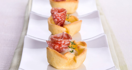 TARTLET WITH STRACCHINO CHEESE AROMATISED WITH THYME AND SALAME DI MILANO