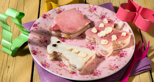 FLOWER TRAMEZZINO SANDWICHES WITH PICKLED ARTICHOKES AND COOKED HAM