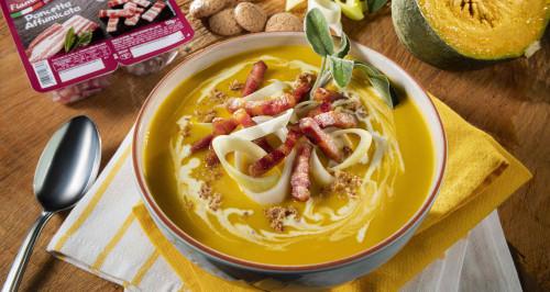 vellutata-di-zucca-amaretti-e-fiammiferi-di-pancetta-affumicata-low.jpg