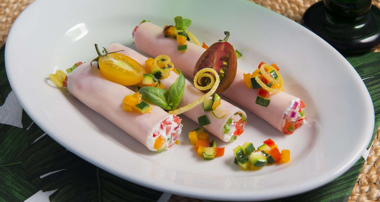 Chicken cannelloni with marinated vegetables