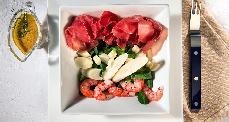 Gamberi rossi del mediterraneo, cuore di palma, valeriana, bresaola e citronette light alla senape