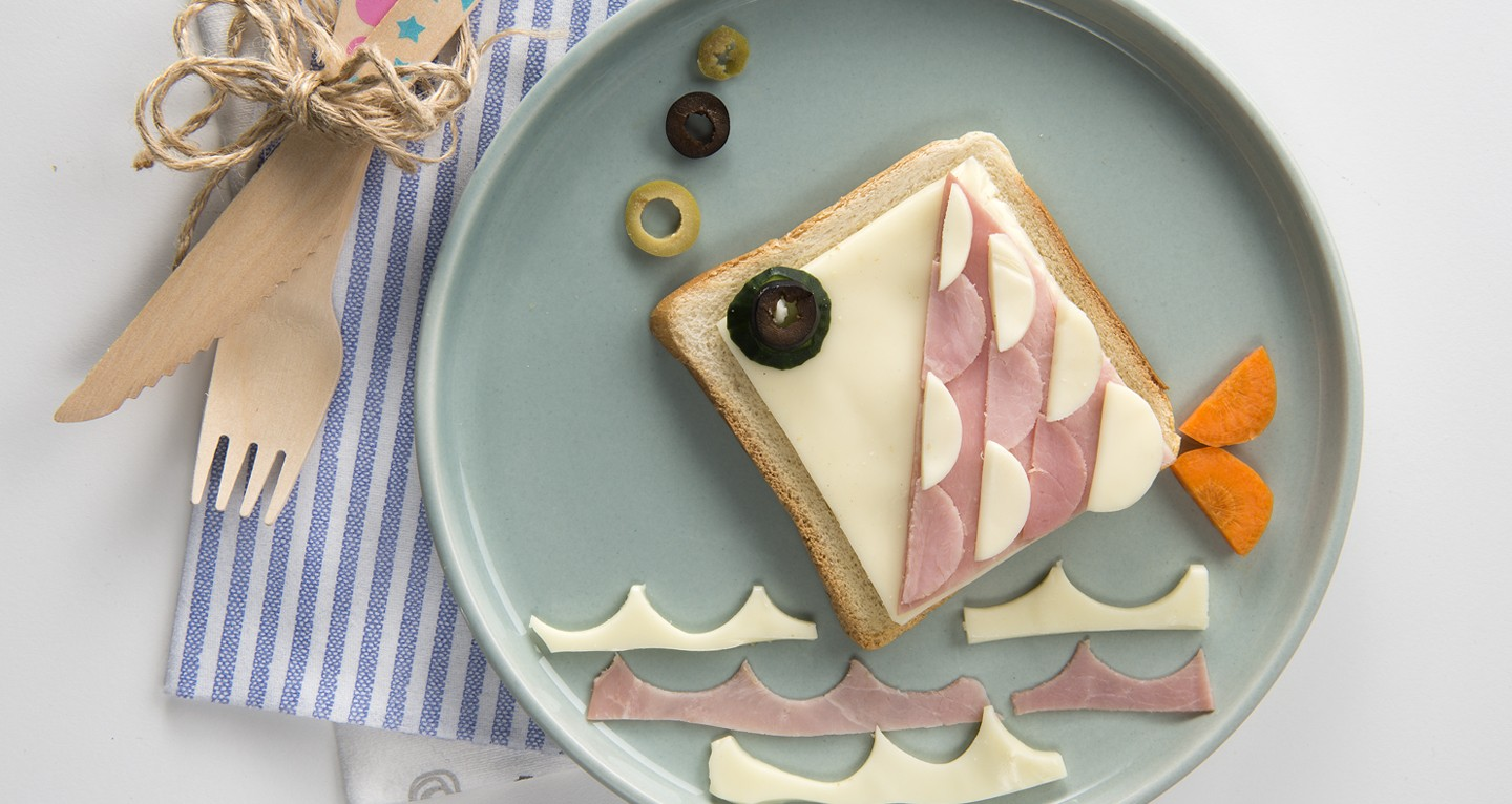 Fish-shaped sandwich with cooked ham