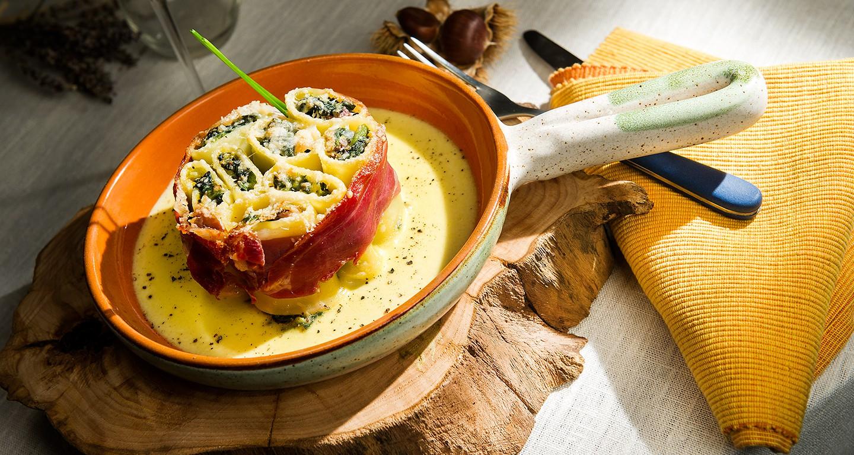 Paccheri gratinati con spinaci e Prosciutto crudo di Parma