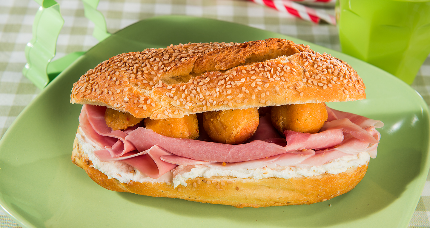 COOKED HAM SANDWICH, ROBIOLA CHEESE AND CHICKPEA BALLS