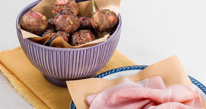 Polpette con prosciutto cotto di Vignola e pistacchi
