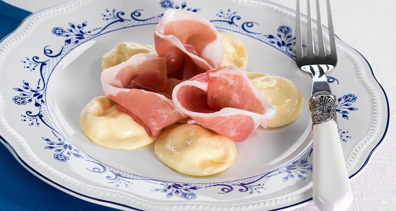 Ravioli con fichi e prosciutto crudo di Parma